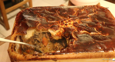 Pie au bœuf, à la Chimay bleue et aux girolles