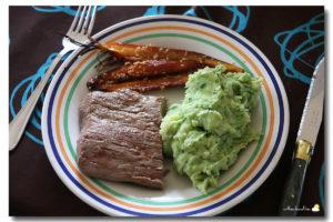 Steack, purée au brocoli et carottes caramélisées au sésame