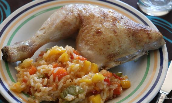 Cuisse de poulet, sauce aigre-douce à la mangue et riz