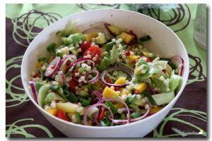Salade de perles de couscous colorées